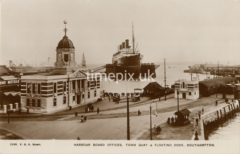 FGOS_02168, postcard of Town Quay, Southampton by FGO Stuart, after 1925