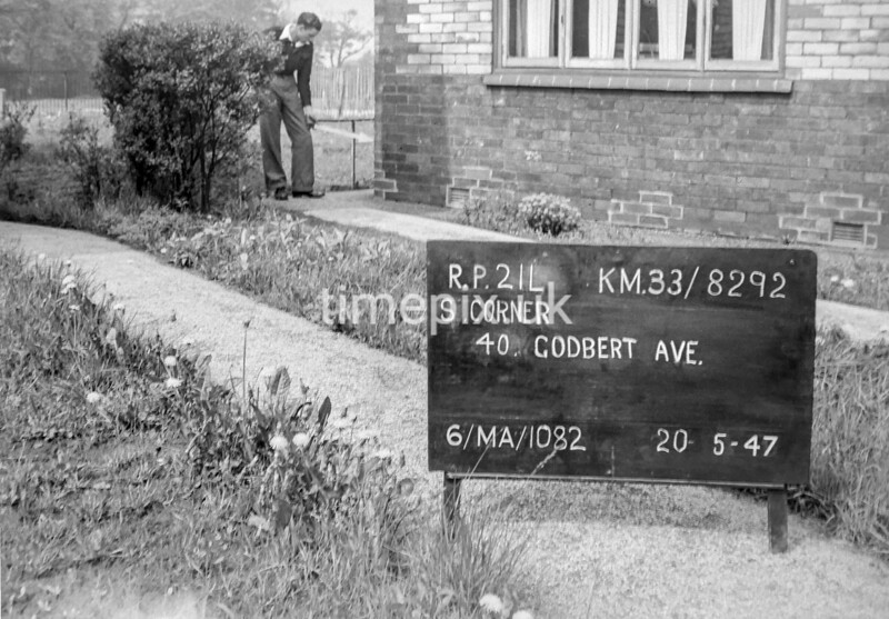 SJ829221L, Ordnance Survey Revision Point photograph in Greater Manchester