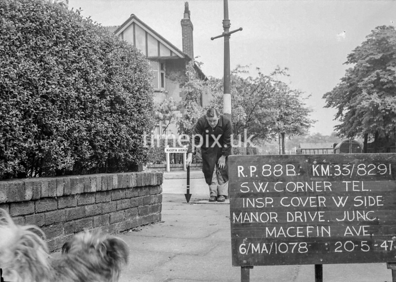 SJ829188B, Ordnance Survey Revision Point photograph in Greater Manchester