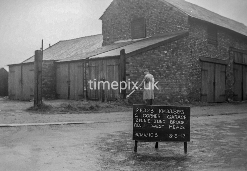 SJ819332B, Ordnance Survey Revision Point photograph in Greater Manchester