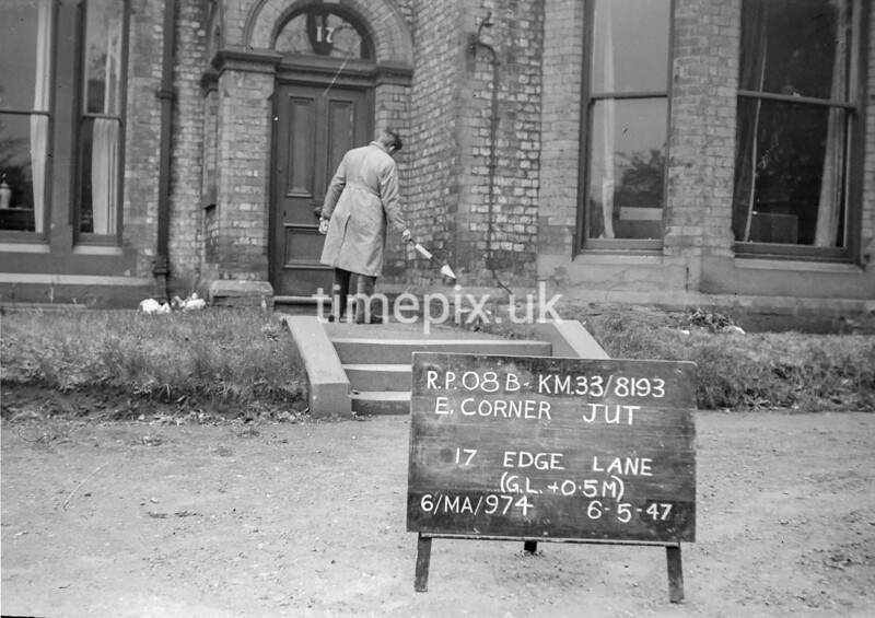 SJ819308B, Ordnance Survey Revision Point photograph in Greater Manchester