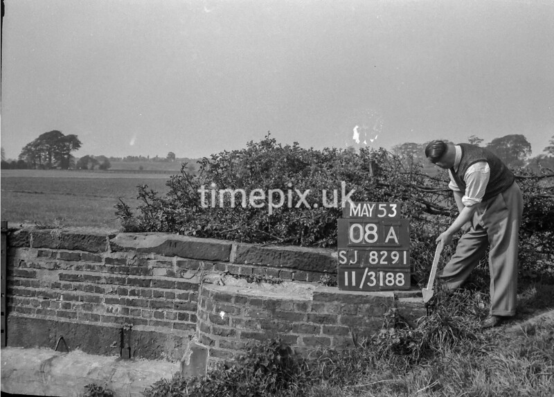 SJ829108A, Ordnance Survey Revision Point photograph in Greater Manchester