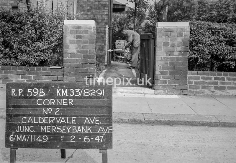 SJ829159B, Ordnance Survey Revision Point photograph in Greater Manchester