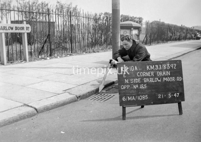 SJ839210A, Ordnance Survey Revision Point photograph in Greater Manchester