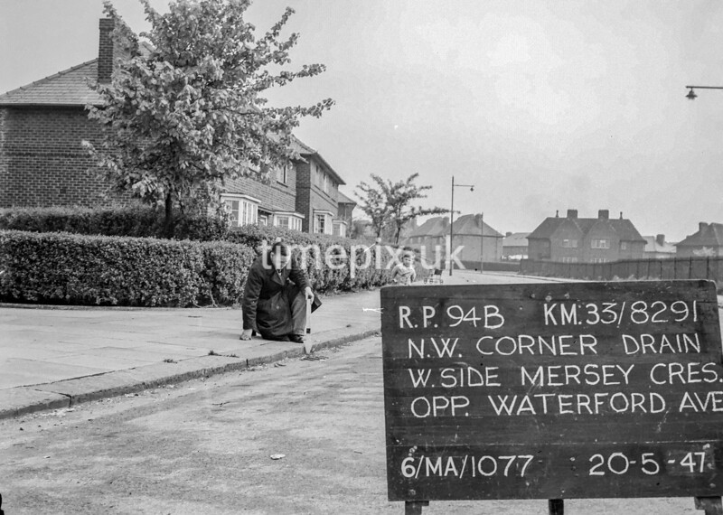 SJ829194B, Ordnance Survey Revision Point photograph in Greater Manchester