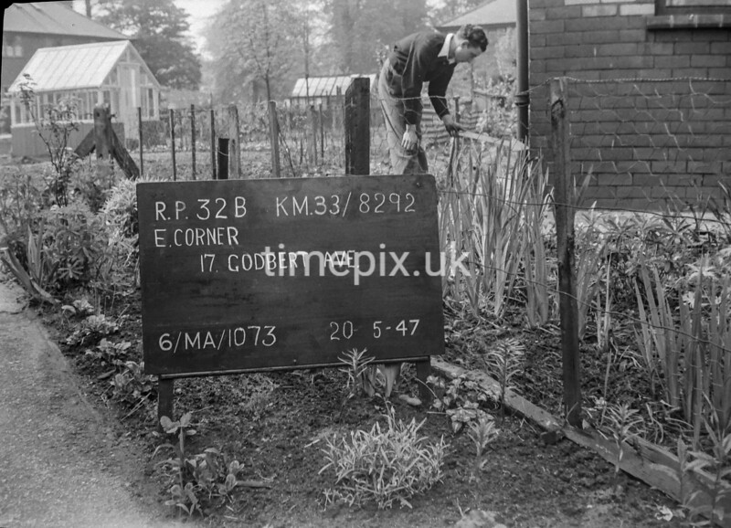 SJ829232B, Ordnance Survey Revision Point photograph in Greater Manchester