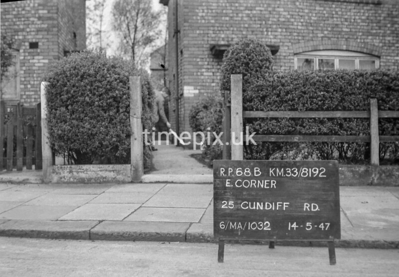 SJ819268B, Ordnance Survey Revision Point photograph in Greater Manchester