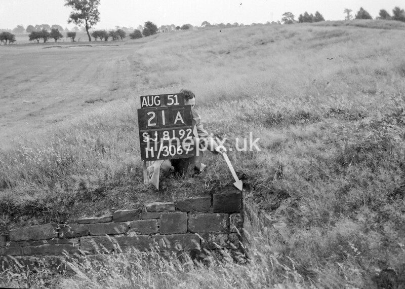 SJ819221A, Ordnance Survey Revision Point photograph in Greater Manchester