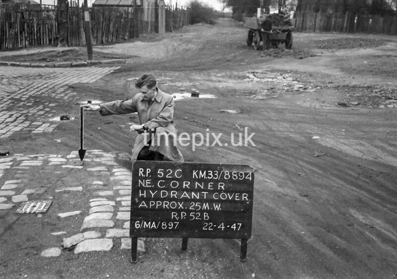 SJ889452C, Ordnance Survey Revision Point photograph in Greater Manchester