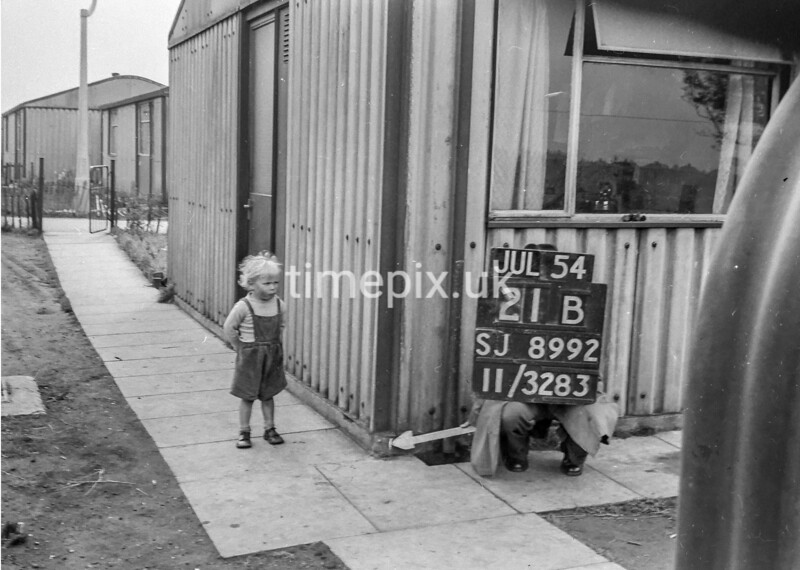 SJ899221B, Ordnance Survey Revision Point photograph in Greater Manchester