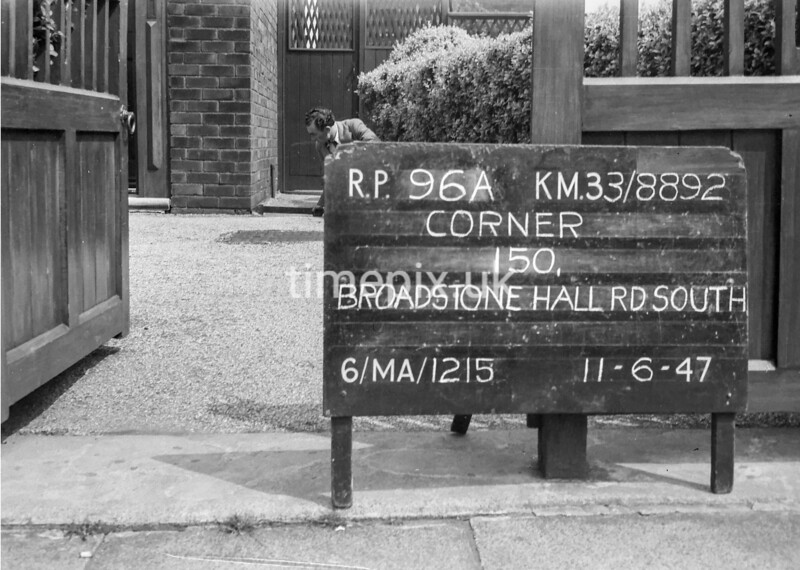 SJ889296A, Ordnance Survey Revision Point photograph in Greater Manchester