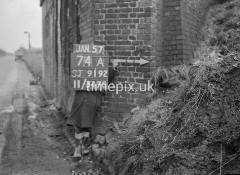SJ919274A, Ordnance Survey Revision Point photograph in Greater Manchester