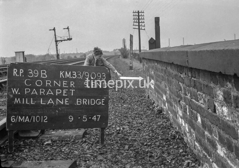 SJ909339B, Ordnance Survey Revision Point photograph in Greater Manchester