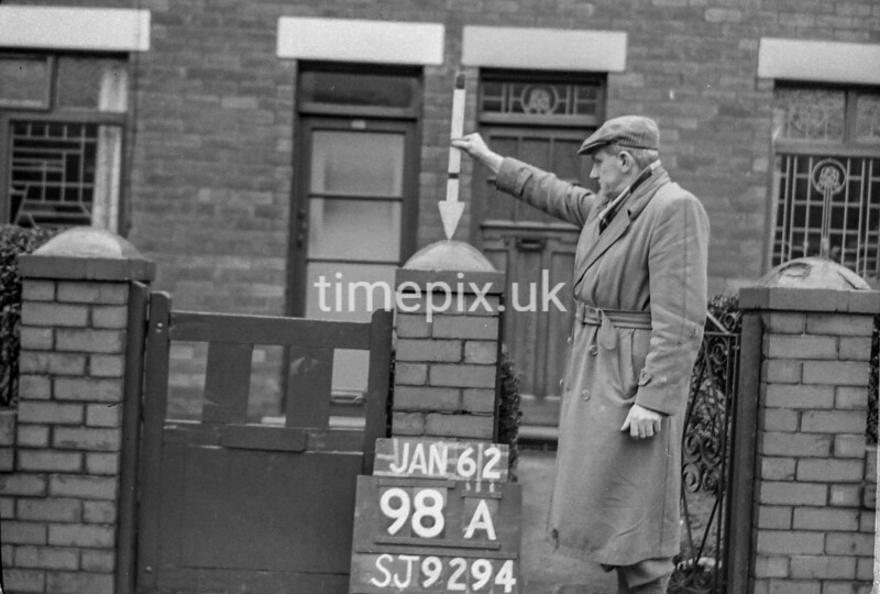 SJ929498A, Ordnance Survey Revision Point photograph in Greater Manchester