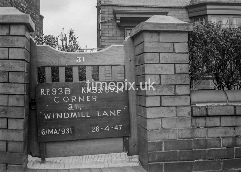 SJ899493B, Ordnance Survey Revision Point photograph in Greater Manchester