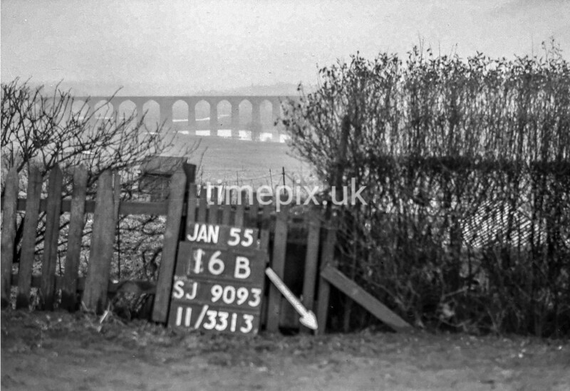 SJ909316B, Ordnance Survey Revision Point photograph in Greater Manchester