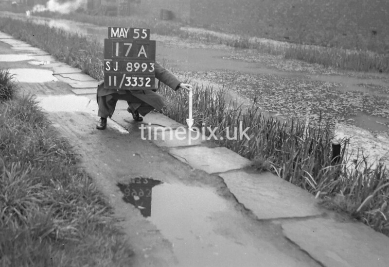 SJ899317A2, Ordnance Survey Revision Point photograph in Greater Manchester