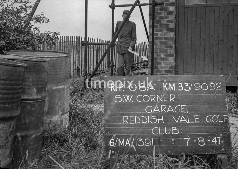 SJ909208A1, Ordnance Survey Revision Point photograph in Greater Manchester