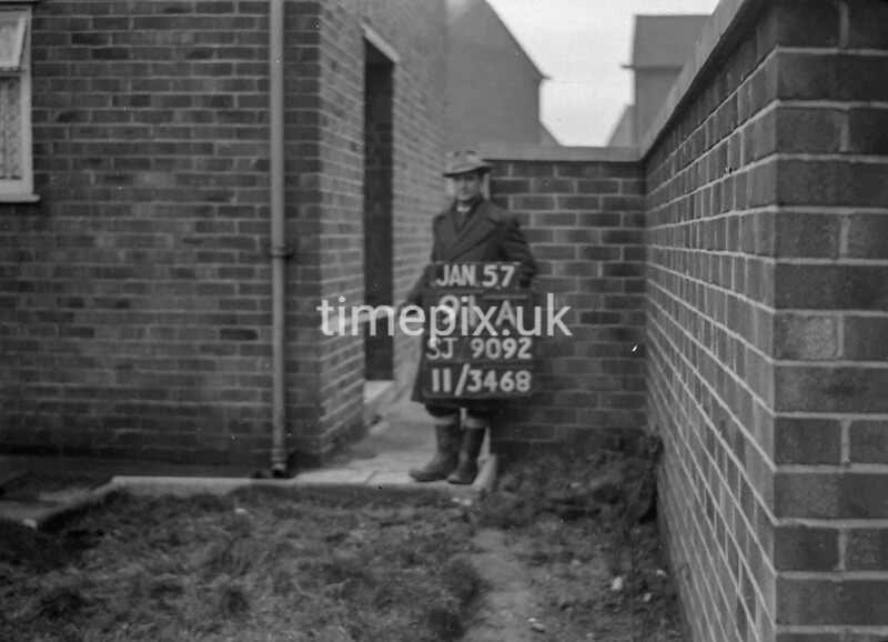 SJ909291A, Ordnance Survey Revision Point photograph in Greater Manchester
