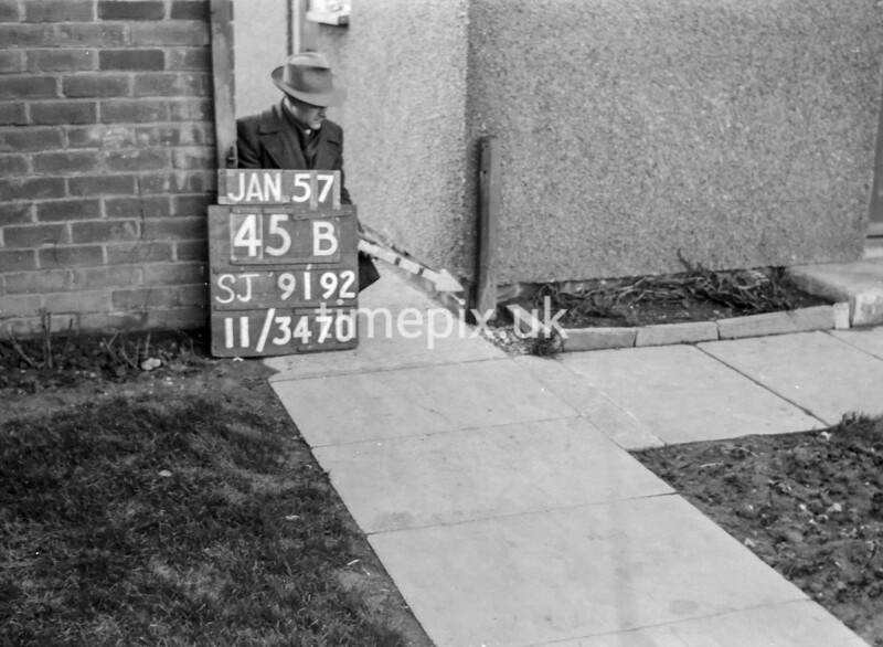 SJ919245B, Ordnance Survey Revision Point photograph in Greater Manchester