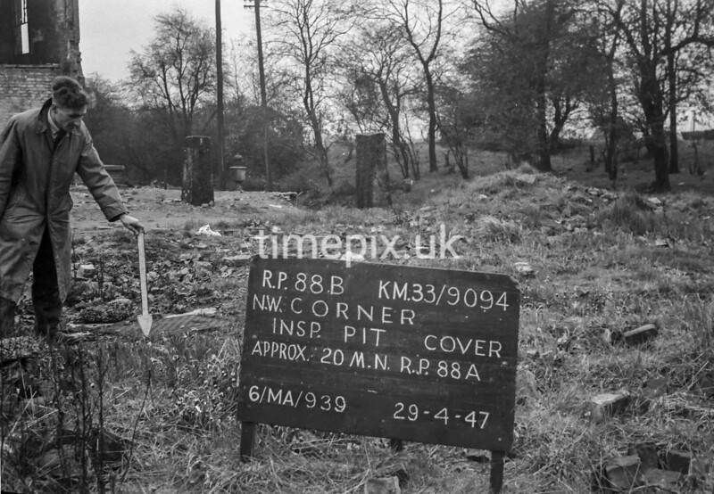 SJ909488B, Ordnance Survey Revision Point photograph in Greater Manchester