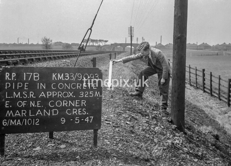 SJ909317B, Ordnance Survey Revision Point photograph in Greater Manchester