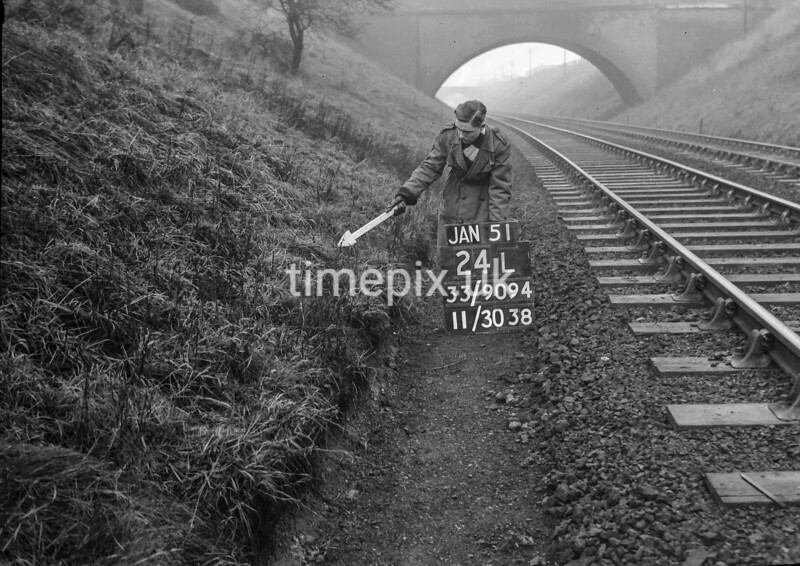 SJ909424L, Ordnance Survey Revision Point photograph in Greater Manchester