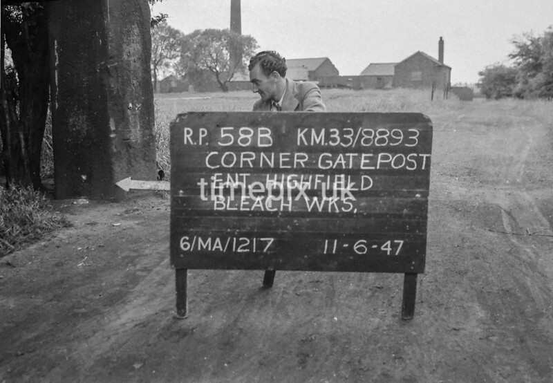 SJ889358B, Ordnance Survey Revision Point photograph in Greater Manchester
