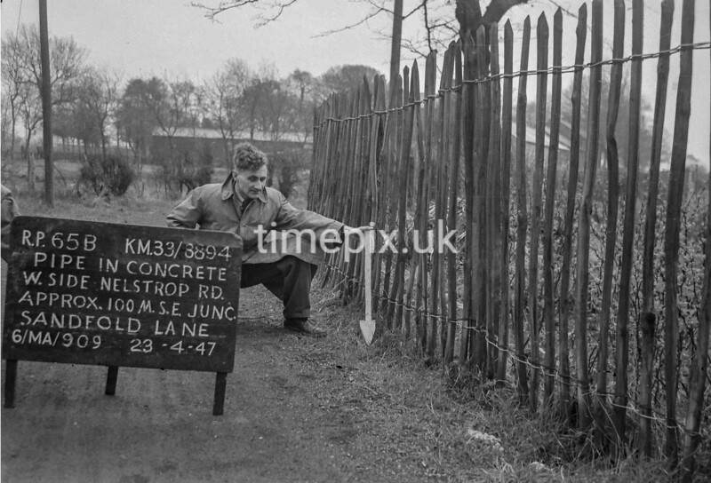 SJ889465B, Ordnance Survey Revision Point photograph in Greater Manchester