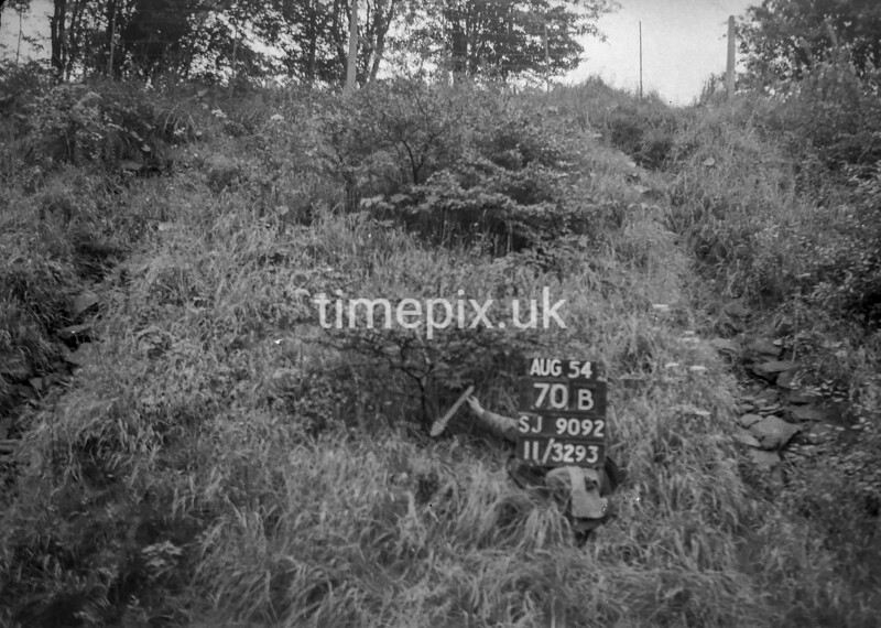 SJ909270B, Ordnance Survey Revision Point photograph in Greater Manchester