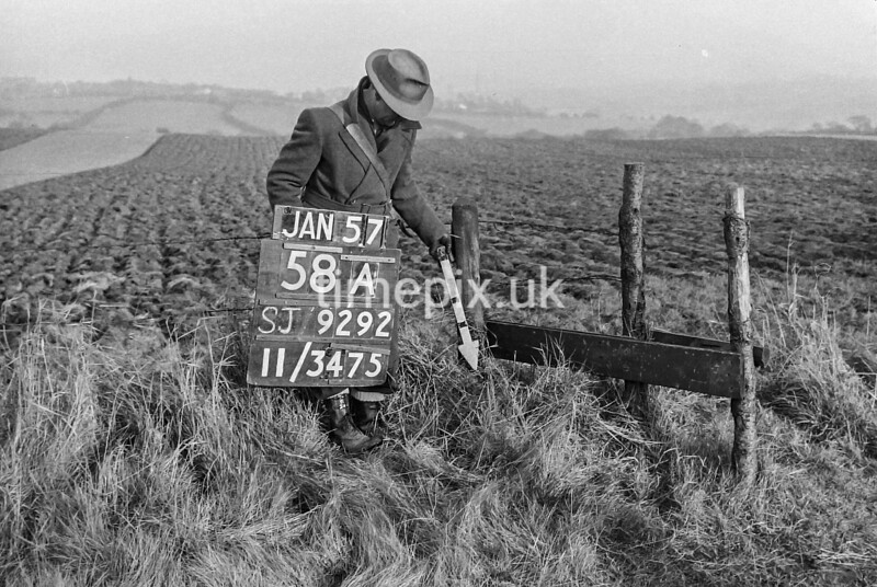 SJ929258A, Ordnance Survey Revision Point photograph in Greater Manchester