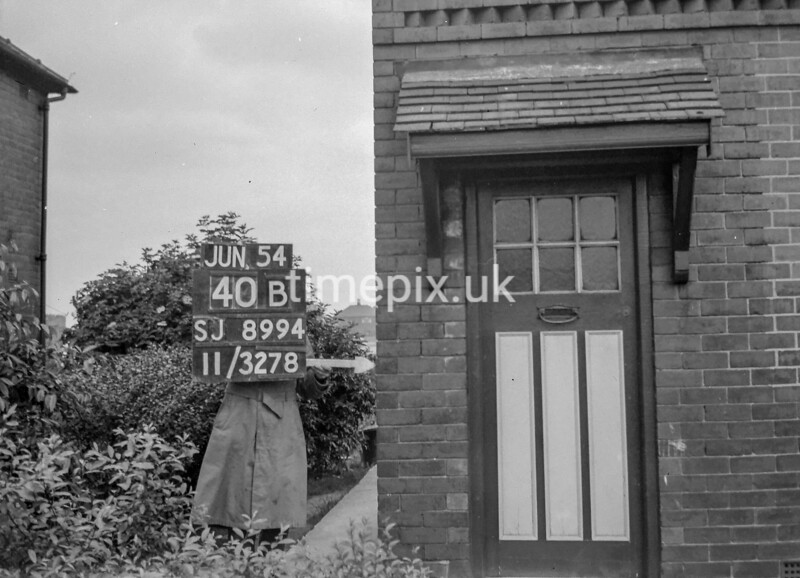 SJ899440B, Ordnance Survey Revision Point photograph in Greater Manchester