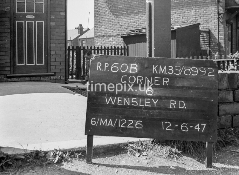SJ899260B1, Ordnance Survey Revision Point photograph in Greater Manchester