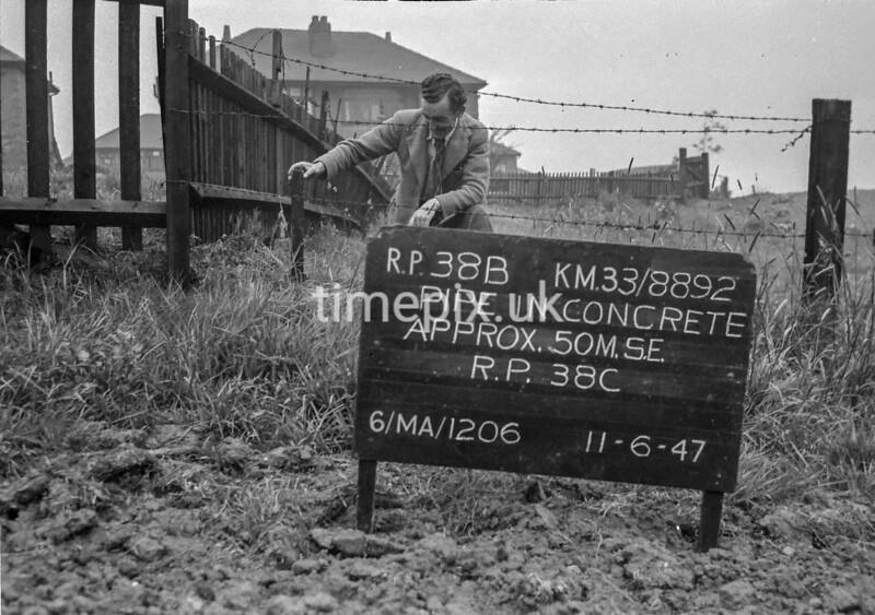 SJ889238B, Ordnance Survey Revision Point photograph in Greater Manchester