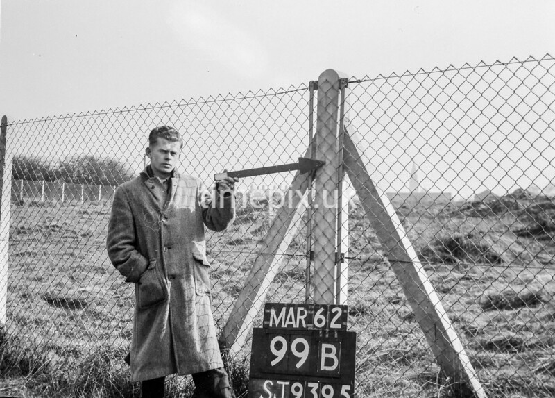 SJ939599B, Ordnance Survey Revision Point photograph in Greater Manchester