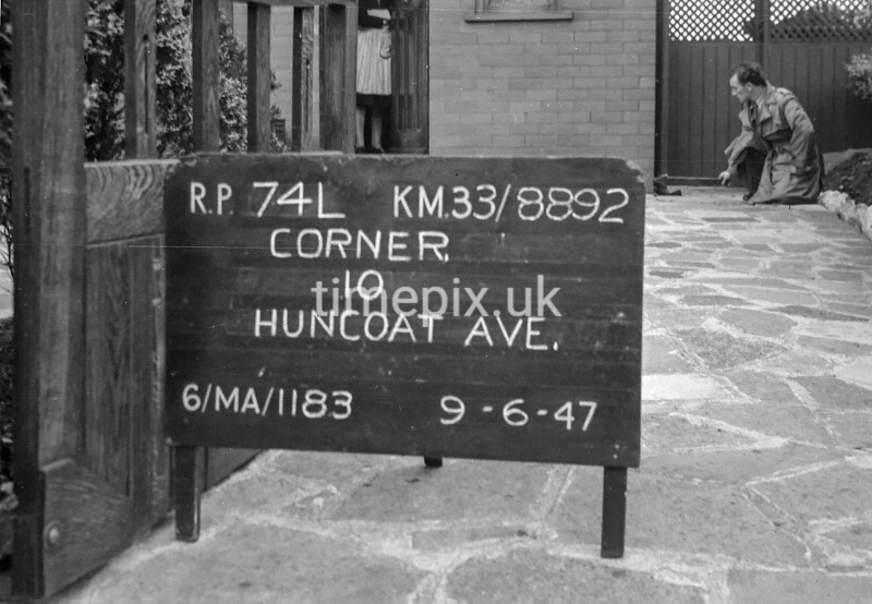 SJ889274L, Ordnance Survey Revision Point photograph in Greater Manchester