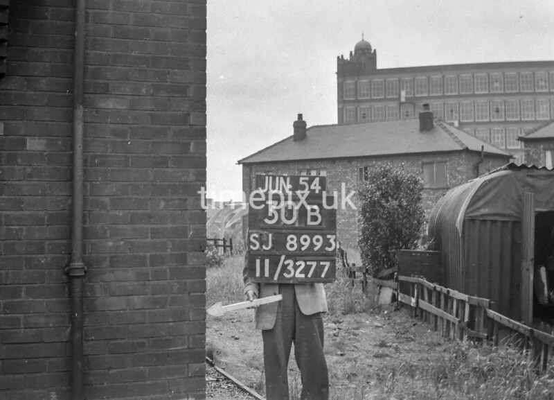 SJ899330B, Ordnance Survey Revision Point photograph in Greater Manchester