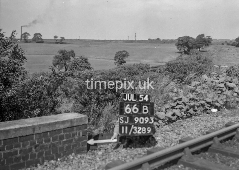 SJ909366B, Ordnance Survey Revision Point photograph in Greater Manchester