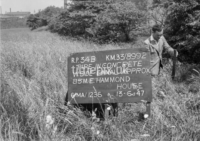 SJ899234B, Ordnance Survey Revision Point photograph in Greater Manchester
