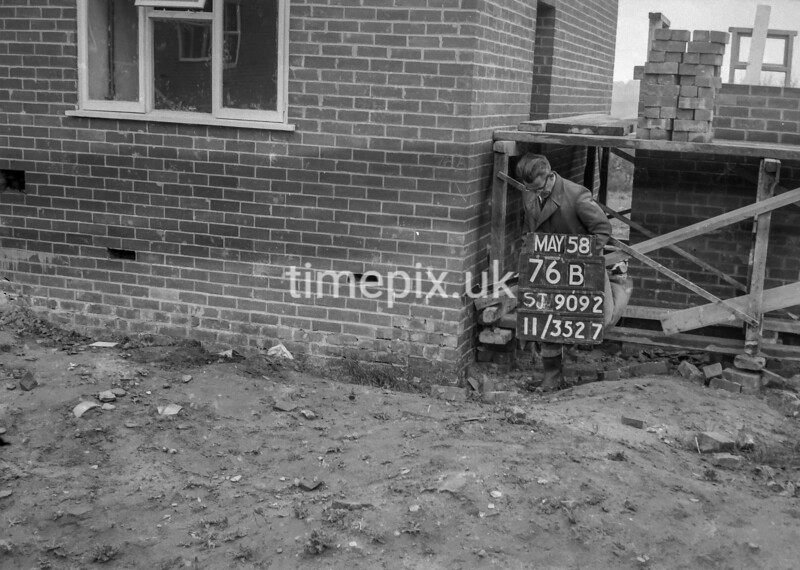 SJ909276B, Ordnance Survey Revision Point photograph in Greater Manchester