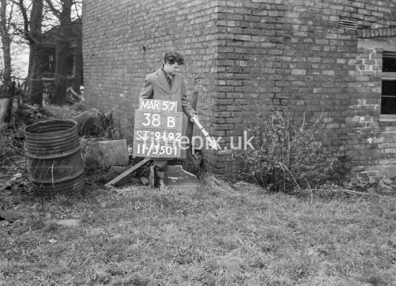 SJ919238B, Ordnance Survey Revision Point photograph in Greater Manchester
