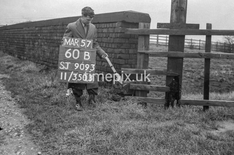 SJ909360B, Ordnance Survey Revision Point photograph in Greater Manchester