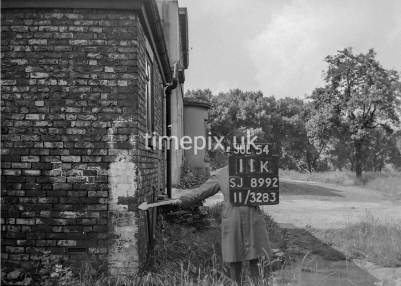 SJ899211K, Ordnance Survey Revision Point photograph in Greater Manchester