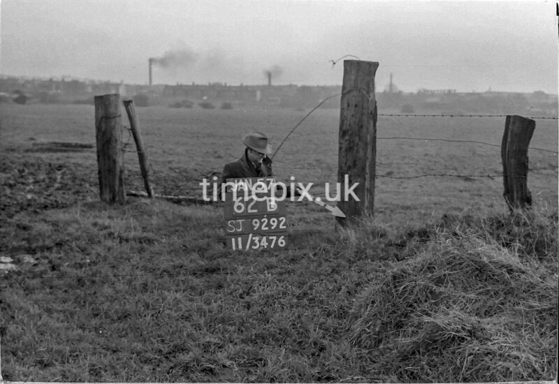 SJ929262B, Ordnance Survey Revision Point photograph in Greater Manchester