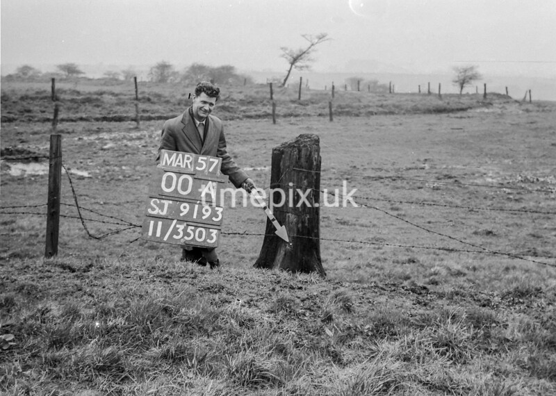 SJ919300A, Ordnance Survey Revision Point photograph in Greater Manchester