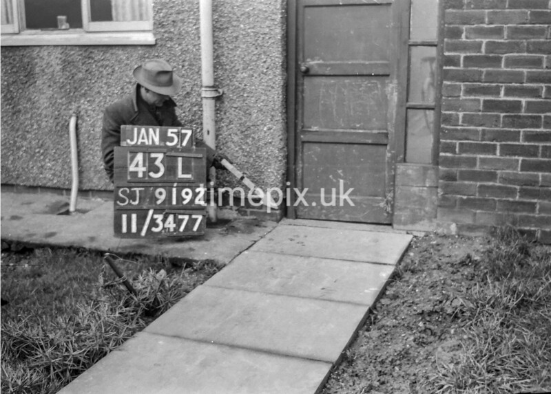 SJ919243L, Ordnance Survey Revision Point photograph in Greater Manchester