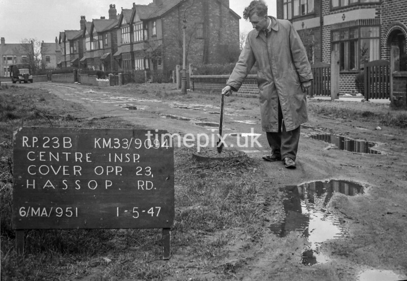 SJ909423B, Ordnance Survey Revision Point photograph in Greater Manchester
