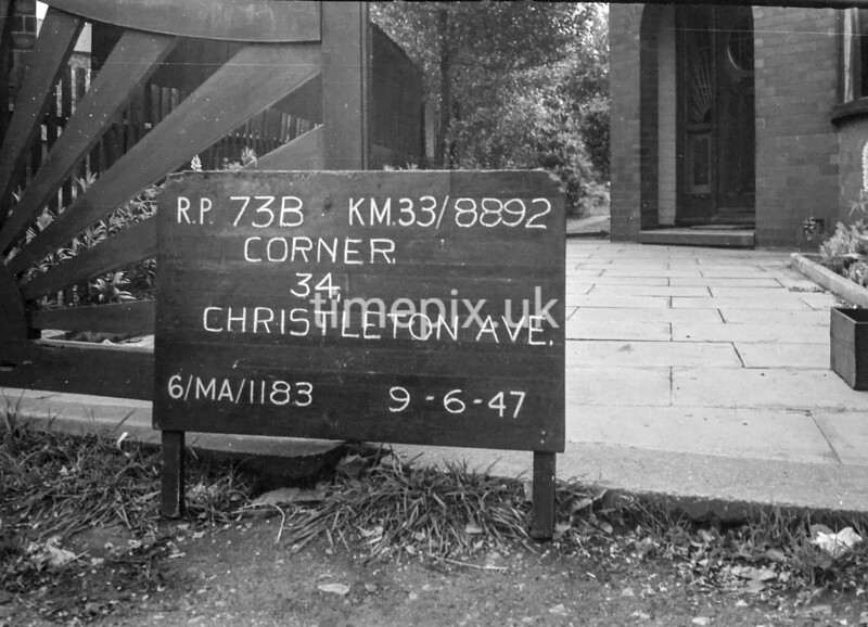 SJ889273B, Ordnance Survey Revision Point photograph in Greater Manchester