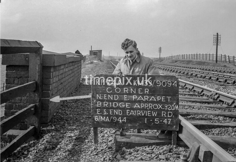 SJ909474A, Ordnance Survey Revision Point photograph in Greater Manchester