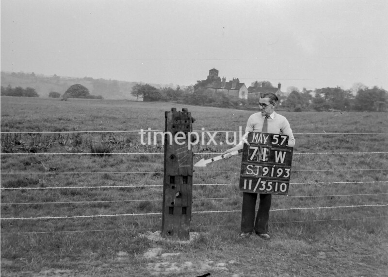 SJ919371W, Ordnance Survey Revision Point photograph in Greater Manchester